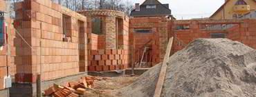 Házépítés, családi ház építéséhez építőanyag